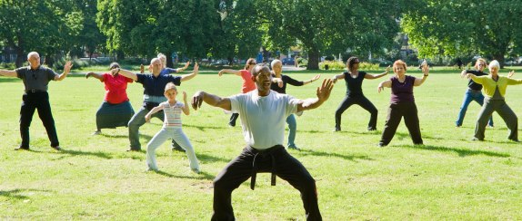cr-health-ah-healthy-tai-chi-in-park-03-16